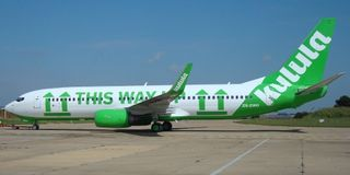 Kulula-this-way-up-plane-4